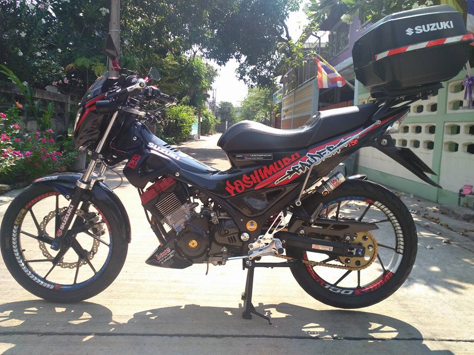 Suzuki raider version yoshimura day an tuong