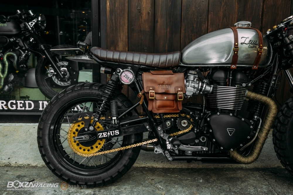 Tuyet tac Triumph Bonneville SE Black do Cafe Race tu Zeus Custom - 22