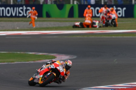 Valentino Rossi ve nhi voi 7 giay 679 nhieu hon Marquez - 4