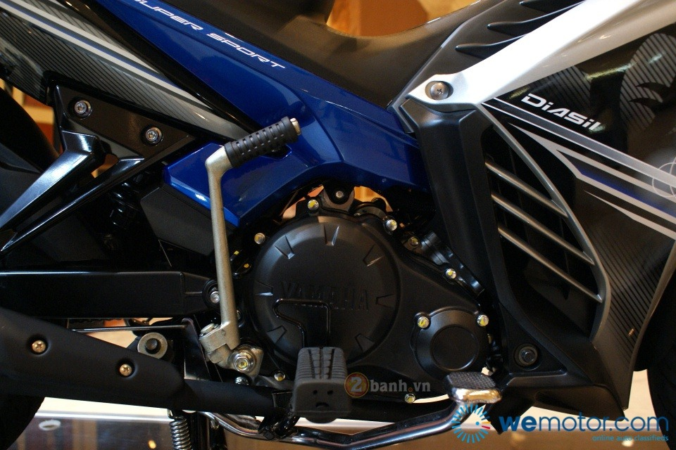 Clip Can canh chi tiet Yamaha 135LC 2016 ngoai that te - 4