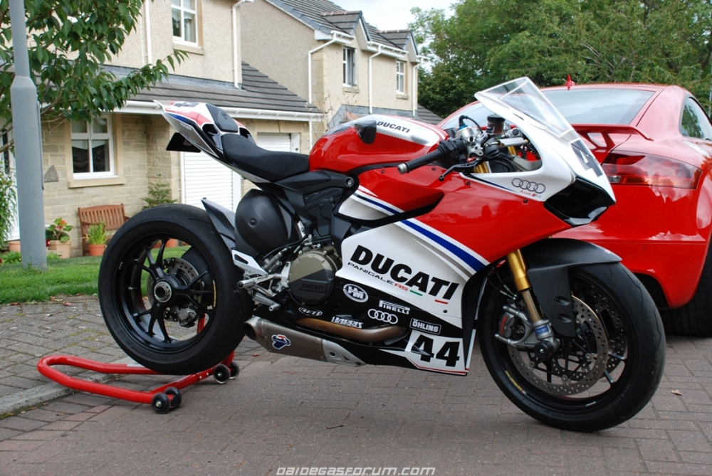Ducati 1299 Panigale ban do cua Audi Racing - 2
