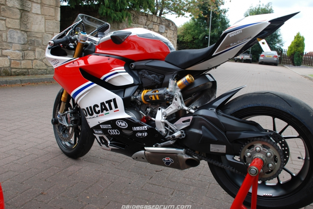 Ducati 1299 Panigale ban do cua Audi Racing - 8