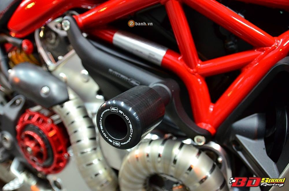 Ducati Monster 1200S muot ma voi dan do choi hang hieu - 13
