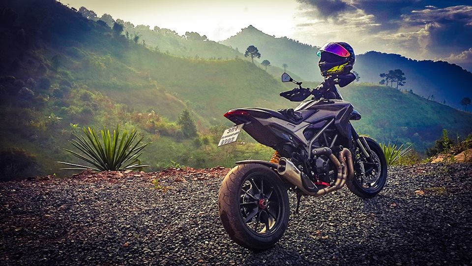 Ve dep hut hon cua Ducati Hypermotard do full carbon tai Thai Lan - 7