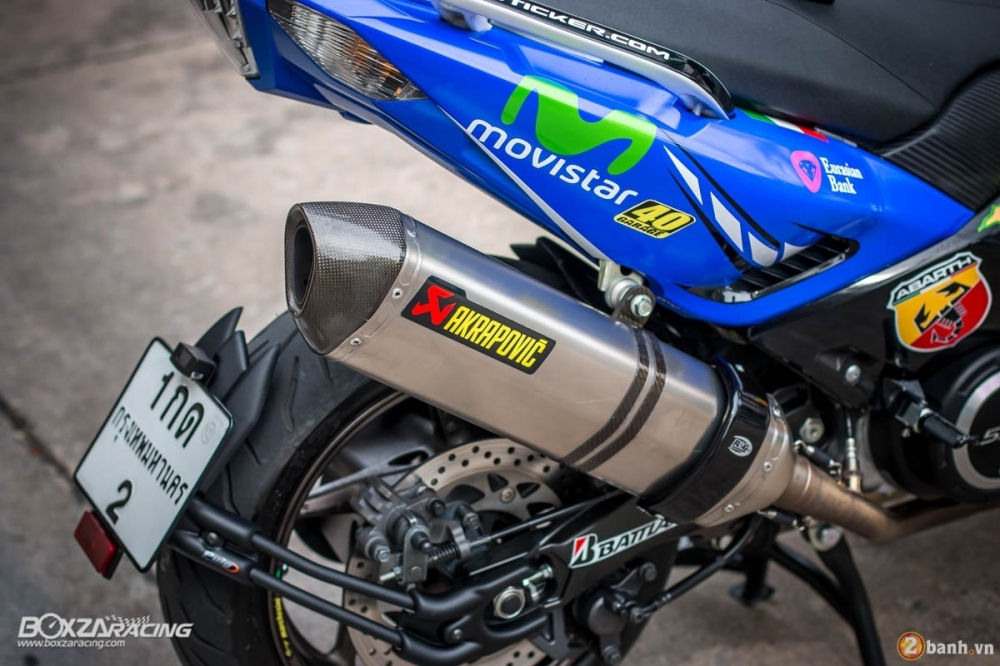 Yamaha TMax dam chat the thao trong bo canh Movistar - 13