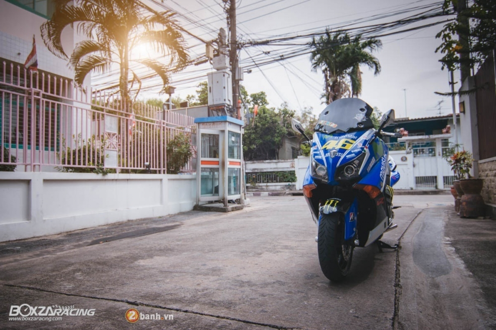 Yamaha TMax dam chat the thao trong bo canh Movistar - 14