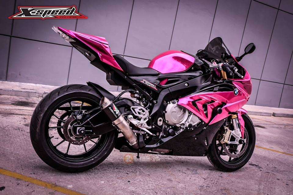 BMW S1000RR 2015 mau hong chrome day noi bat cua nu biker Thai - 11
