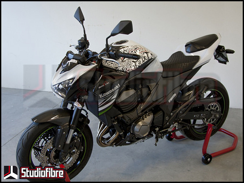 Chien binh Kawasaki Z800 full carbon day an tuong - 10