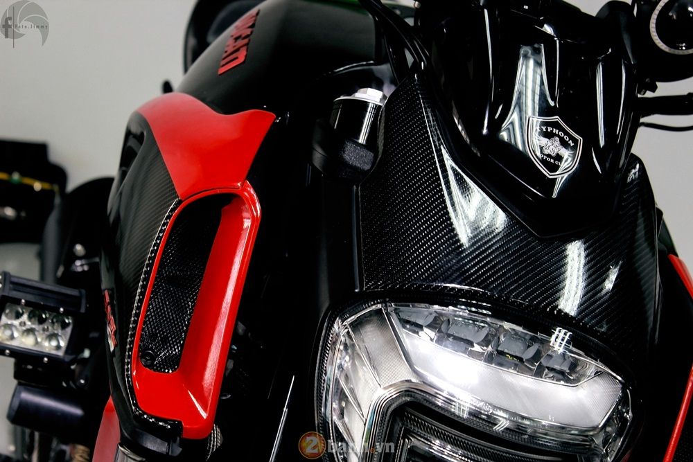 Ducati Diavel phien ban Candy Red tu Showroom H2 Decal - 3