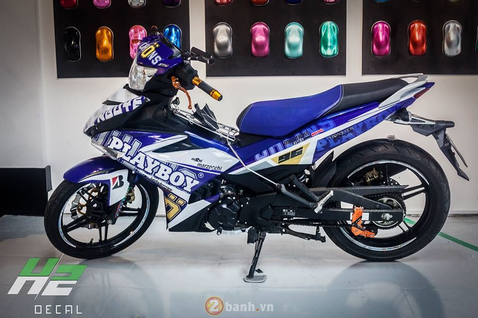 Exciter 150 chat choi trong bo canh Play Boy noi bat - 4