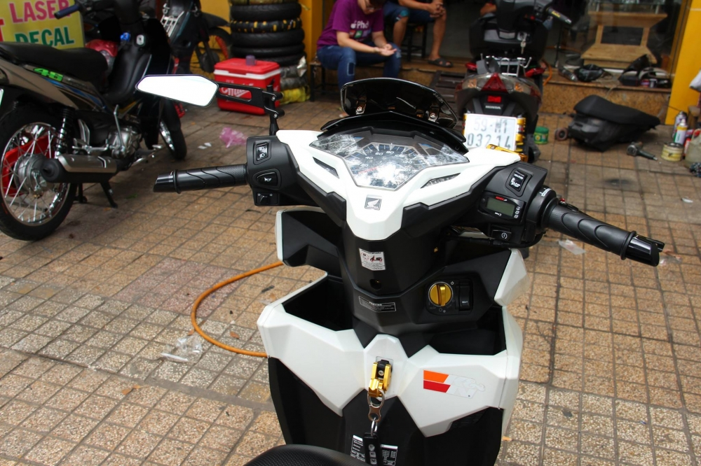 Honda Vario 2016 op Carbon Fiber cung dan option hang hieu - 8