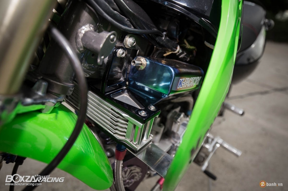 Kawasaki KSR do day phong cach tu Tako Racing - 12