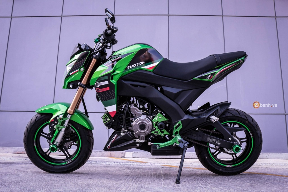 Kawasaki Z125 do day phong cach voi dan option noi bat - 4