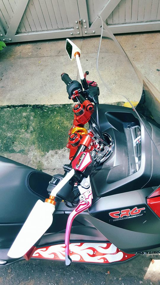 Super Scooter Honda PCX voi loat do choi noi bat - 4