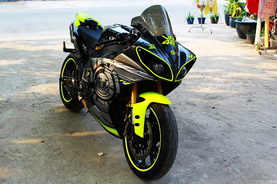 Yamaha R1 doi cu do cuc chat cua biker Sai Thanh - 2