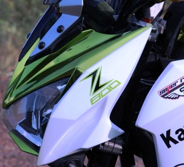 Z800 manh me noi bat voi bo canh Green Chrome - 6