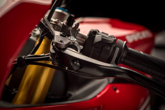 Can canh Ducati 1299 Panigale S Anniversario phien ban dac biet ky niem 90 nam - 10