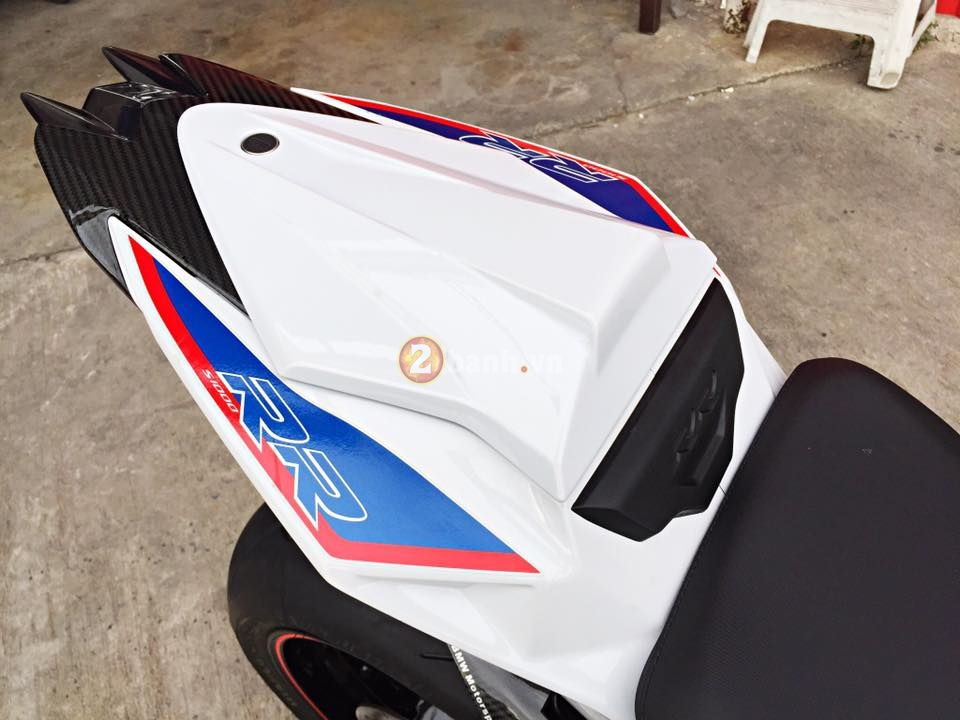 BMW S1000RR 2015 hut hon trong ban do hang hieu - 18