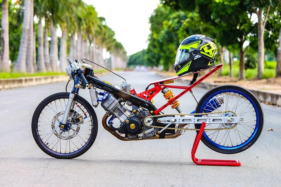 Sonic khung dung chat drag bike