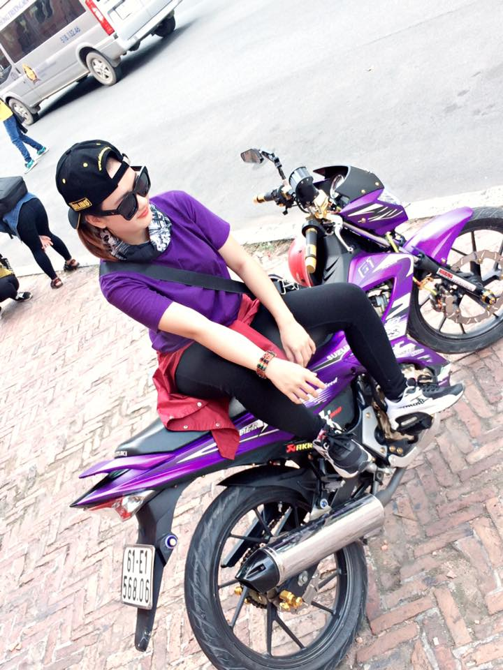 Vai Pic ve Biker nu do dang cung Raider - 3