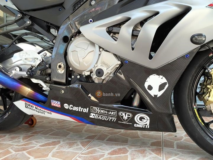 BMW S1000RR ban do don gian tu do chinh hang day chat luong - 8