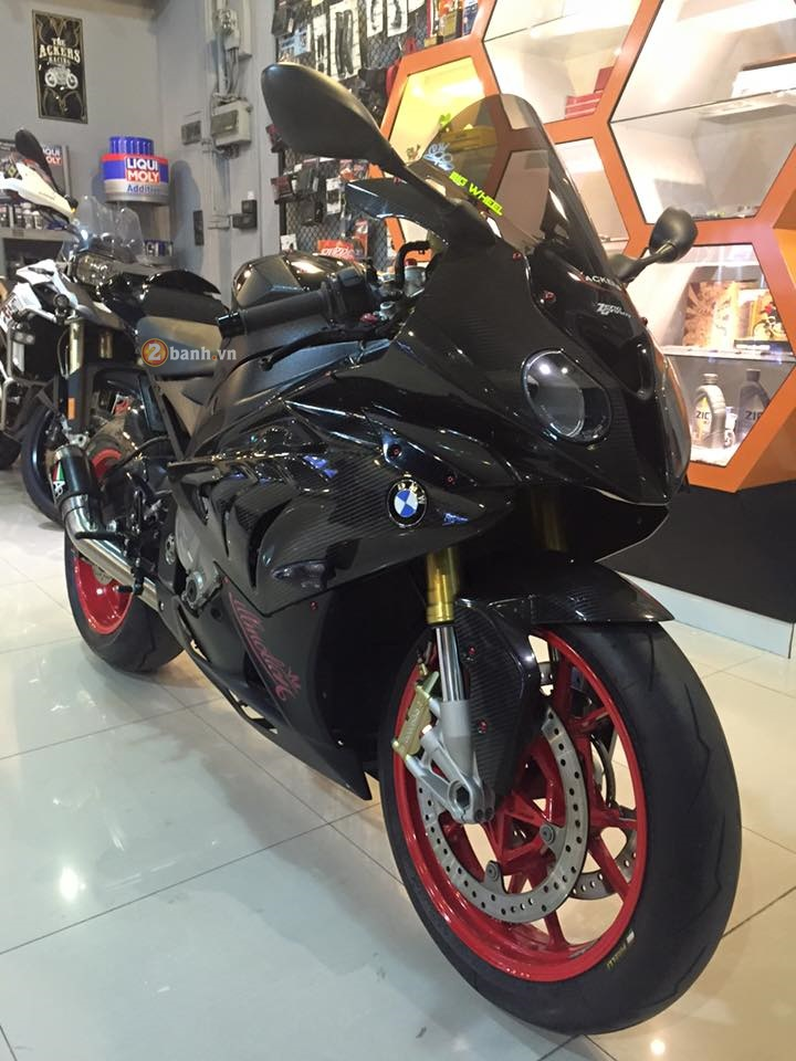BMW S1000RR do cuc chat voi ve ngoai day ma mi - 2