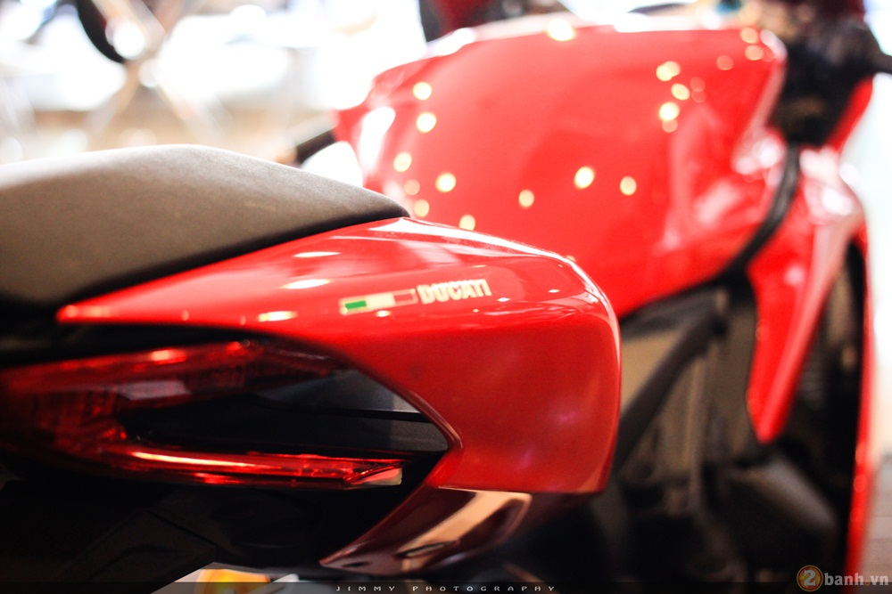 Chan dai Italy 1299 Panigale S chiec Super Sport gon nhe nhat hien nay - 3