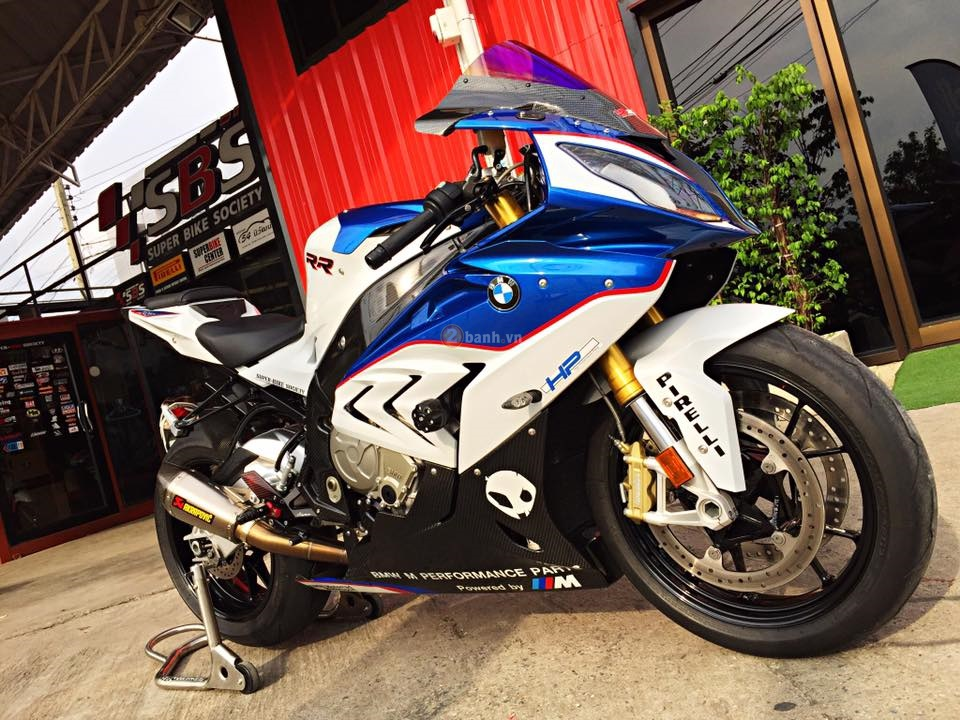 Day quyen ru voi ban do BMW S1000RR 2015 cua dan choi Thai