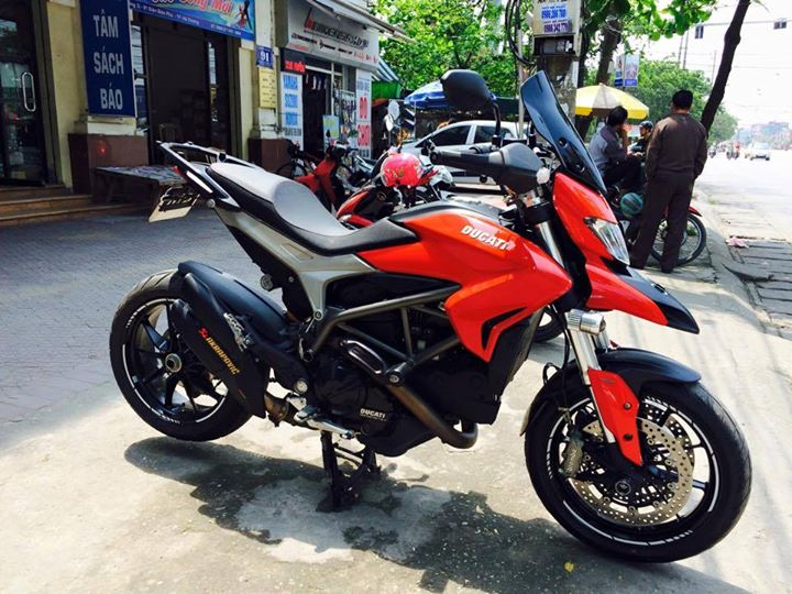 Ducati Hyperstrada 821 do nhe nhang o thu do - 11