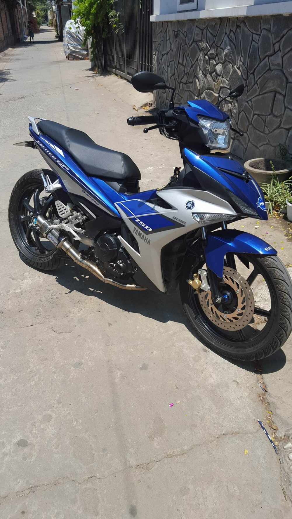 Exciter 150 an tuong voi dan chan 1 gap - 2