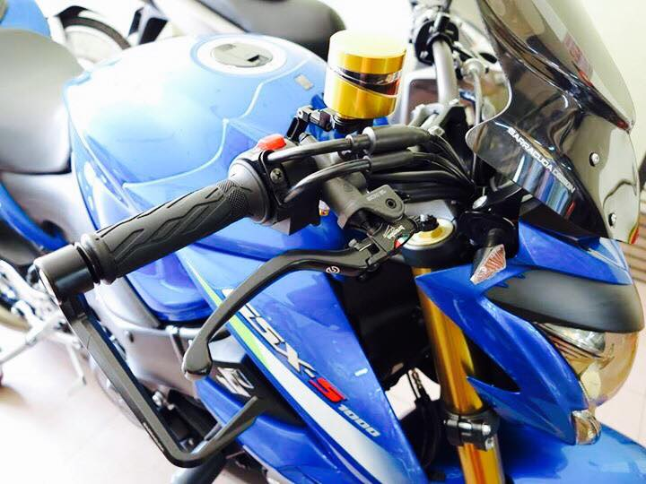 Naked Bike co bu Suzuki GSX S1000 khung bo voi nhieu do choi hang nang - 2