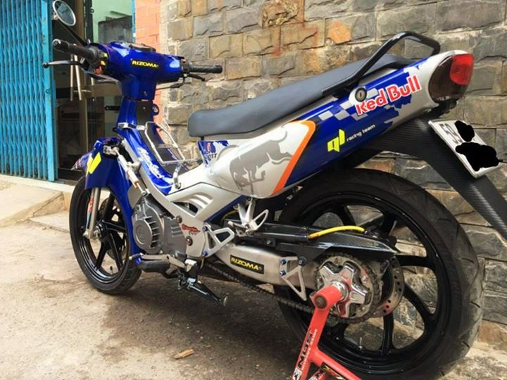 Satria 2000 do 1 gap cung bo canh Redbull dam chat choi - 2