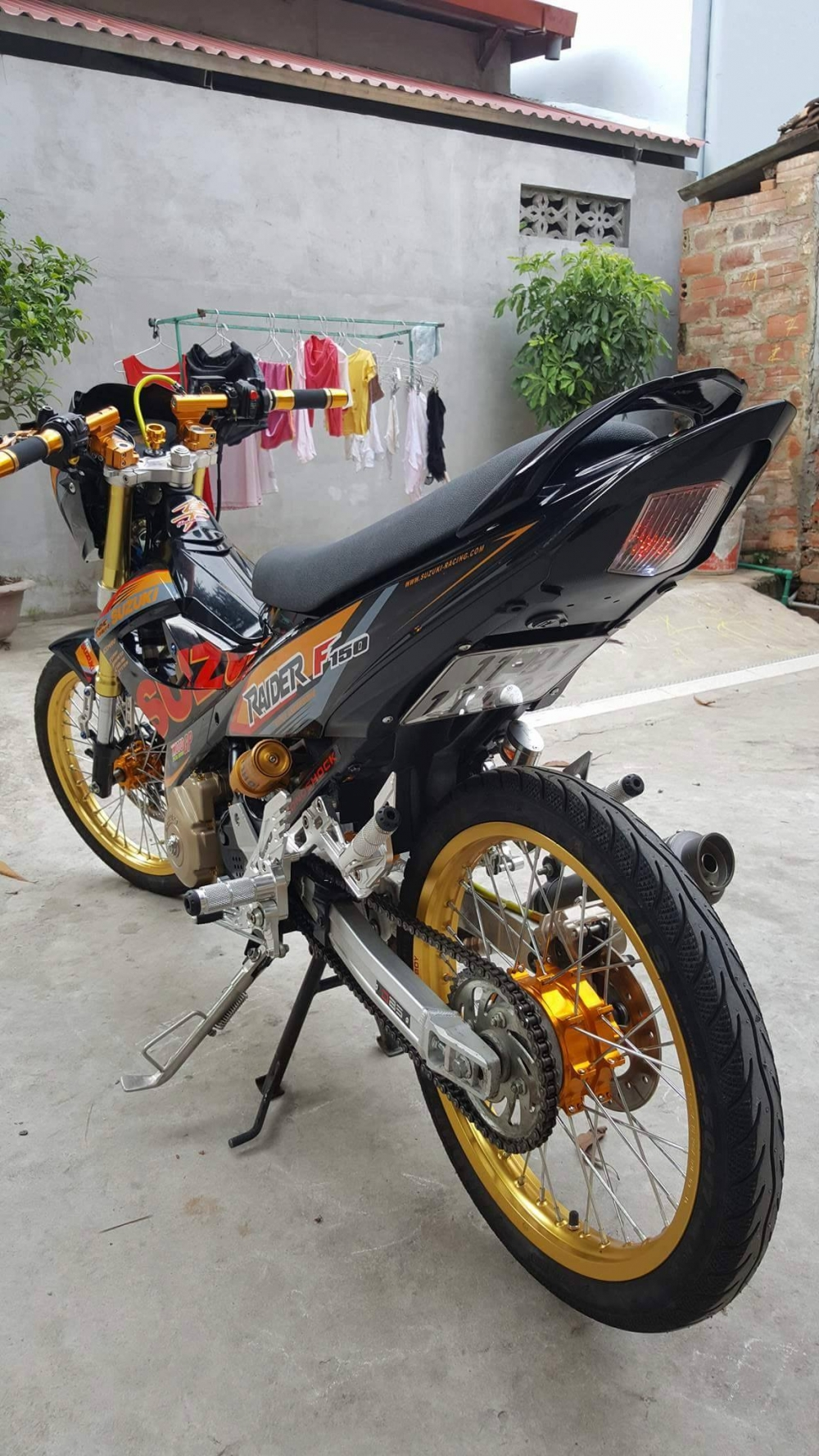 Suzuki Raider day noi bat trong version Racingboy - 3