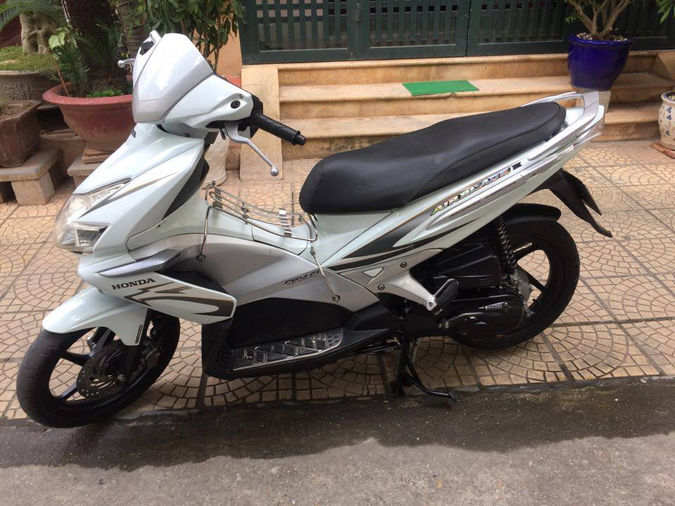 Can ban Honda Airblade fi doi 2010 mau trang bien 5 so 29H65599 29tr500 - 4