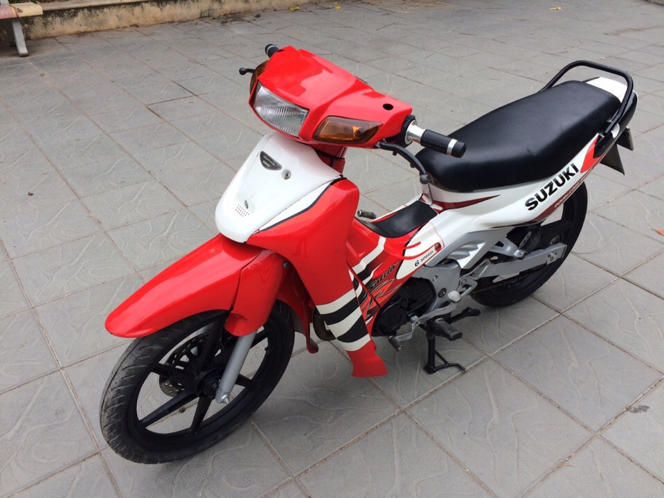 Can ban Suzuki Xipo Satria 2000 mau do trang 120cc 6 so - 6