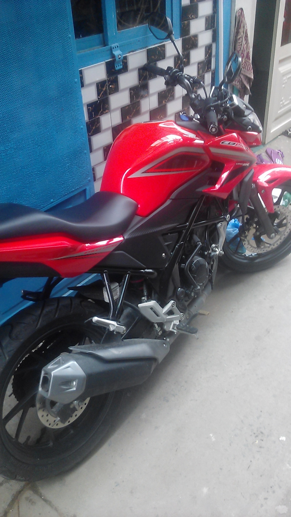 Can ban xe CB150R o Q7 - 3