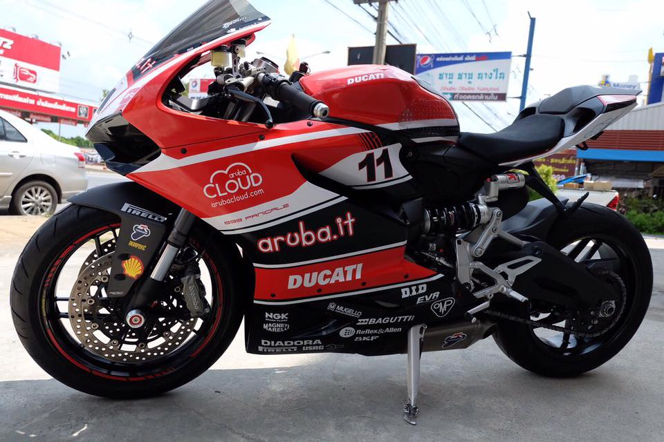 Ducati 899 trong ban do Arubait Racing Superbike Team cuc chat - 2