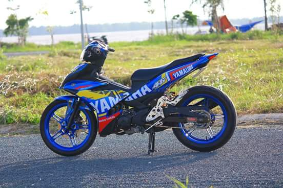 Exciter 150 day chat choi trong bo canh dam chat Yamaha Racing - 2