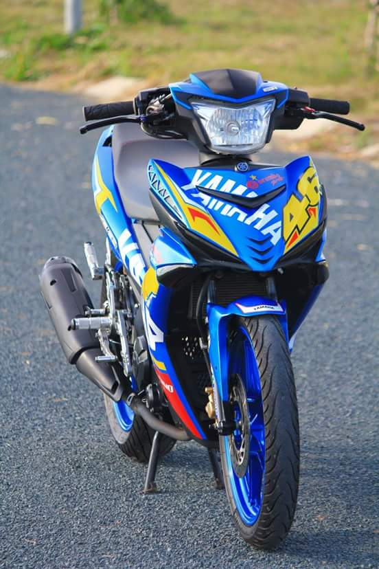 Exciter 150 day chat choi trong bo canh dam chat Yamaha Racing - 4