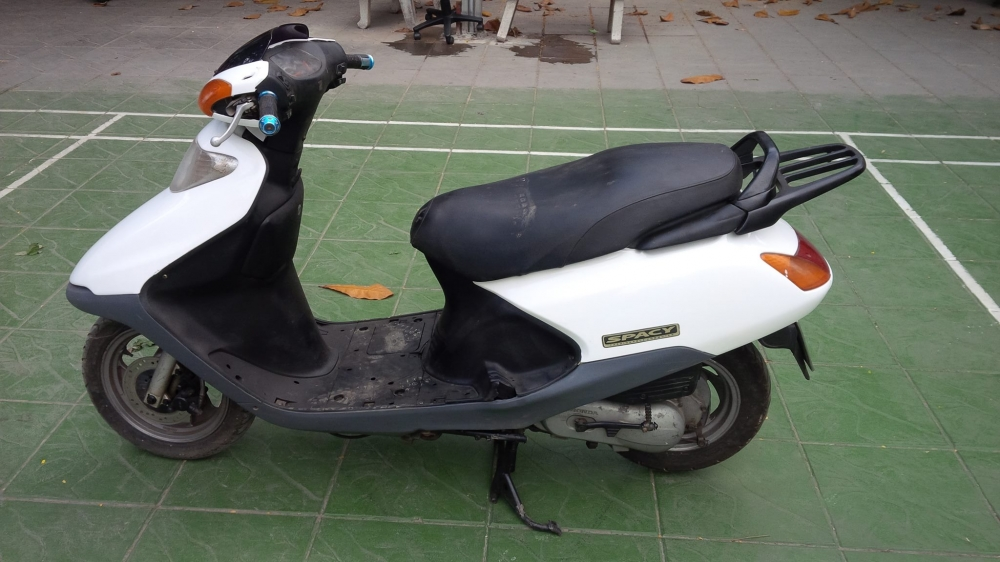 Honda SPACY Viet Nam mau trang may em ben it hao xang - 5