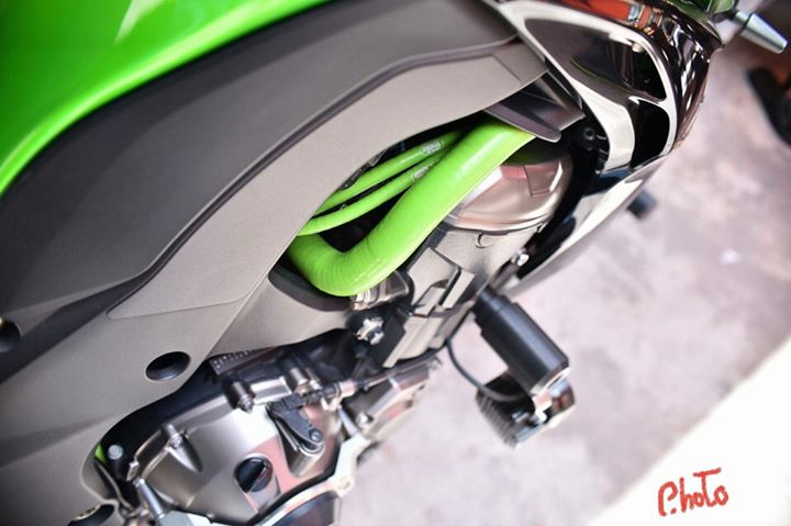 Kawasaki Z1000 don gan full do choi day hap dan - 6