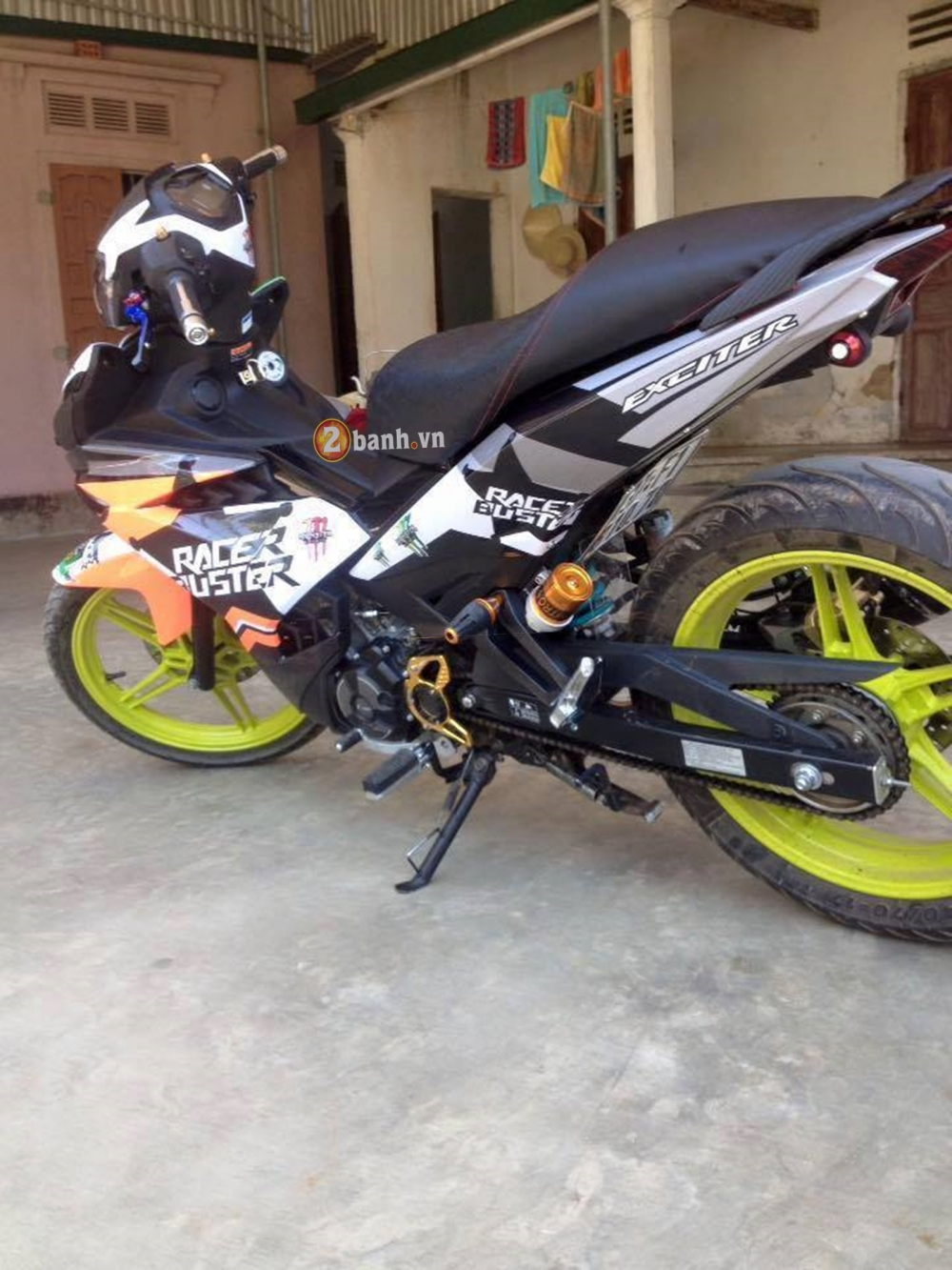 Tem dau Racer Buster cho Exciter150 - 2