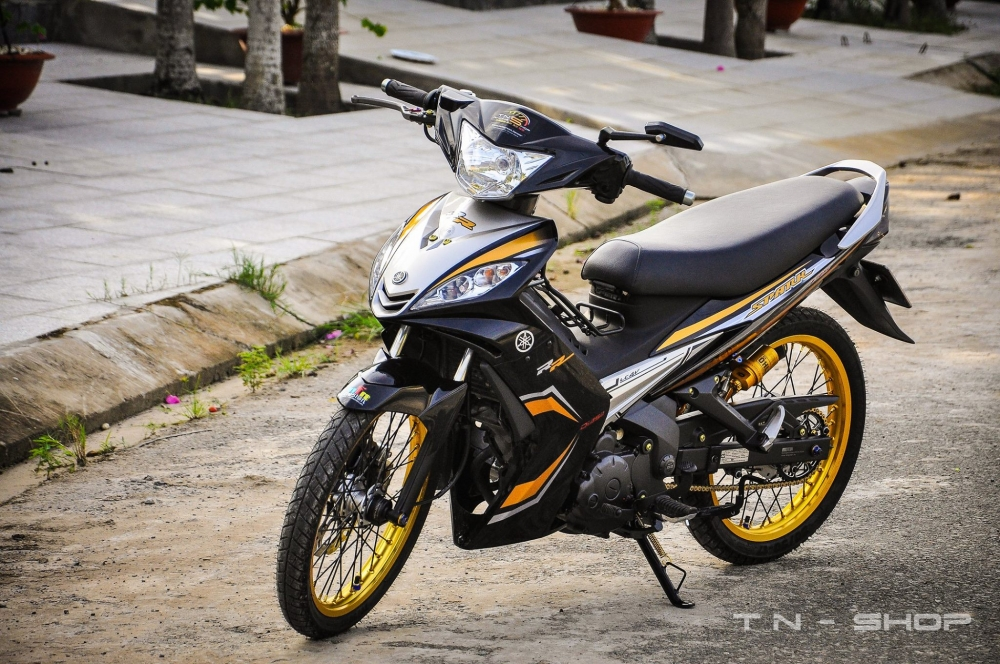 Exciter day chat choi voi phong cach Spark 135i - 2