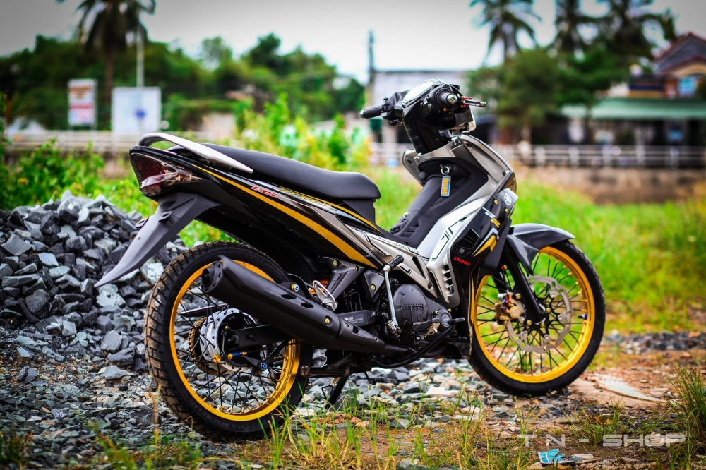 Exciter day chat choi voi phong cach Spark 135i - 10