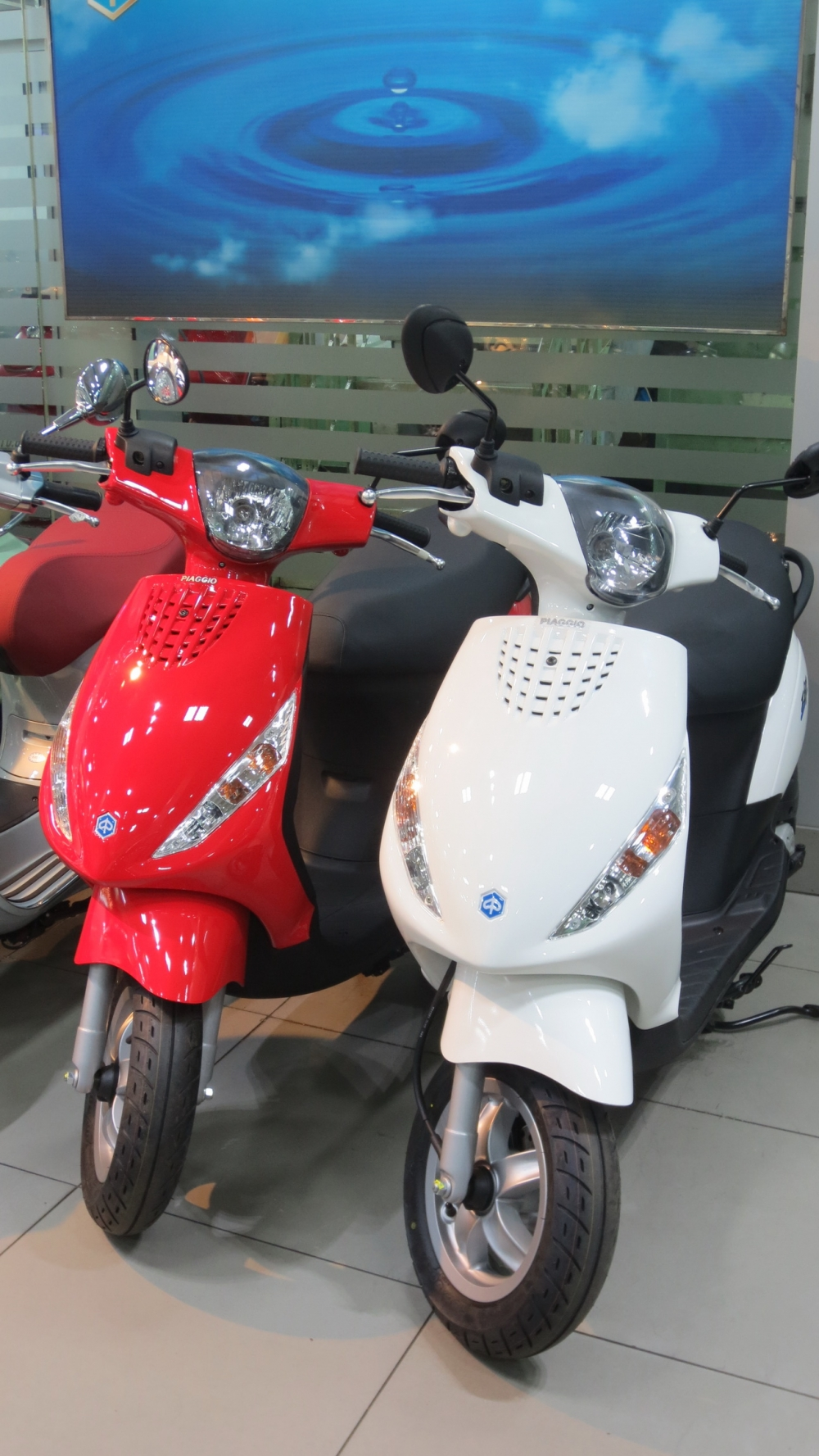 VESPA chinh hang gia tot nhat Update lien tuc - 36