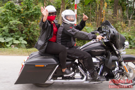 Chum anh CLB Moto The thao Nghe An di thien nguyen - 4