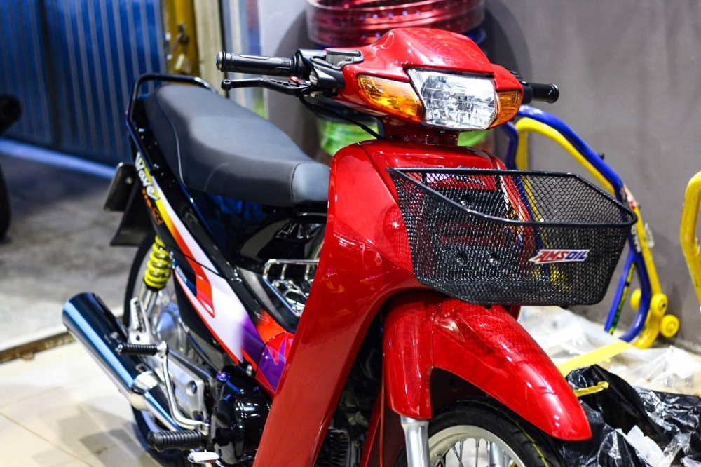 Wave 110 Red Candy day chat choi cua biker mien Tay - 2
