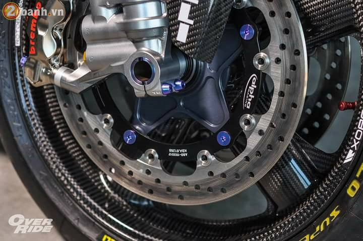 BMW S1000RR sieu chat trong ban do full carbon dat tien - 8