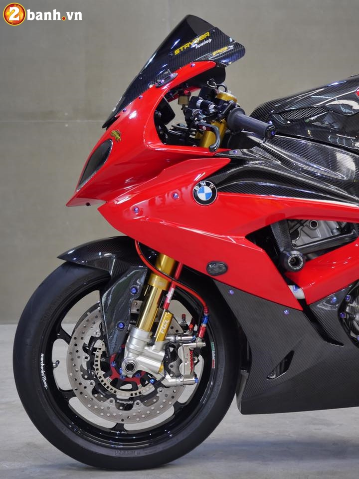 BMW S1000RR trong ban do chat den tung chi tiet - 6