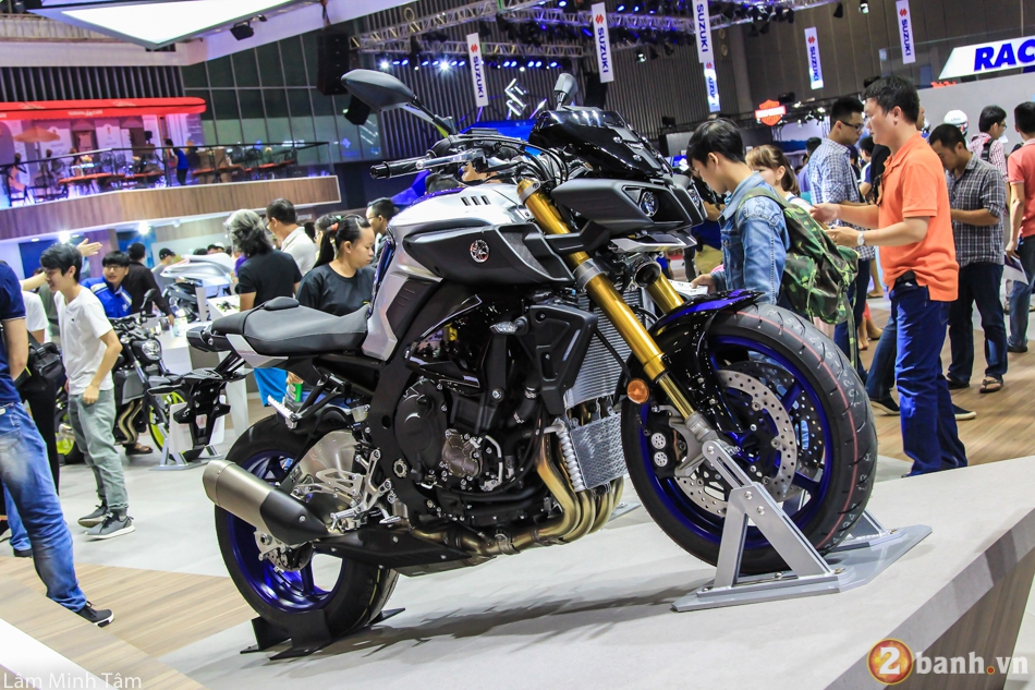 Can canh chi tiet Yamaha MT10 SP 2017 tai VMCS 2017 - 2
